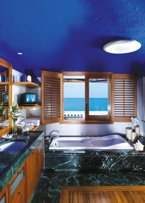 ambassador_bungalow_suite_on_the_waters_edge_bathroom